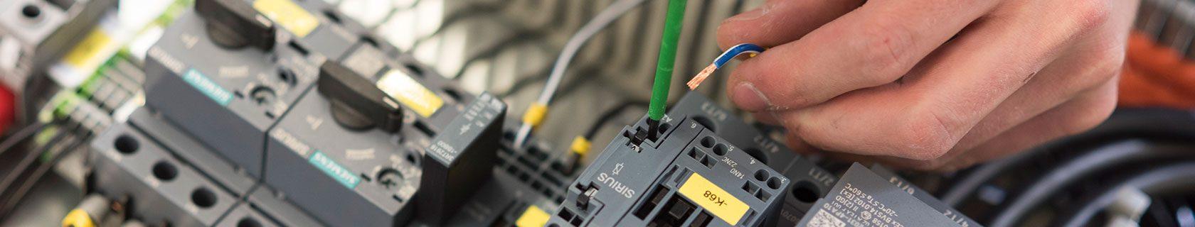 Wir bilden aus – Weigert Elektronik GmbH aus Bückeburg