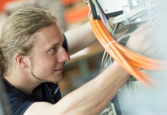 Schaltanlagenbau wie wir ihn verstehen – Weigert Elektronik
