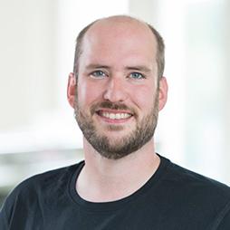 Denis Decker – arbeitet bei Weigert in der Beschaffung